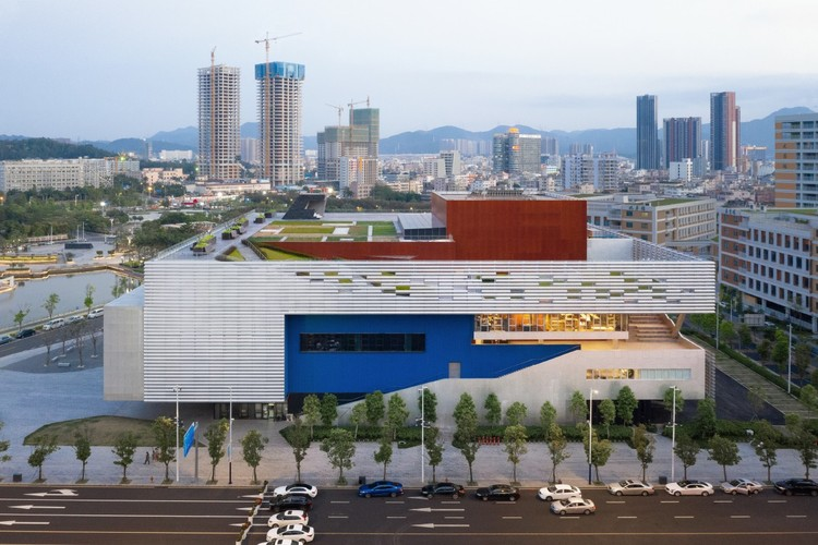 Pingshan Performing Arts Center / OPEN Architecture, © Tianpei Zeng