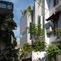b 57 - Jalousie House - mái che kéo thiên nhiên vào nhà