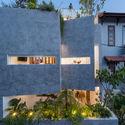 b 75 - Jalousie House - mái che kéo thiên nhiên vào nhà