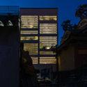 b 159 - Jalousie House - mái che kéo thiên nhiên vào nhà