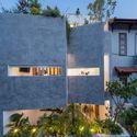 FI - Jalousie House - mái che kéo thiên nhiên vào nhà