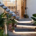b 73 - Jalousie House - mái che kéo thiên nhiên vào nhà