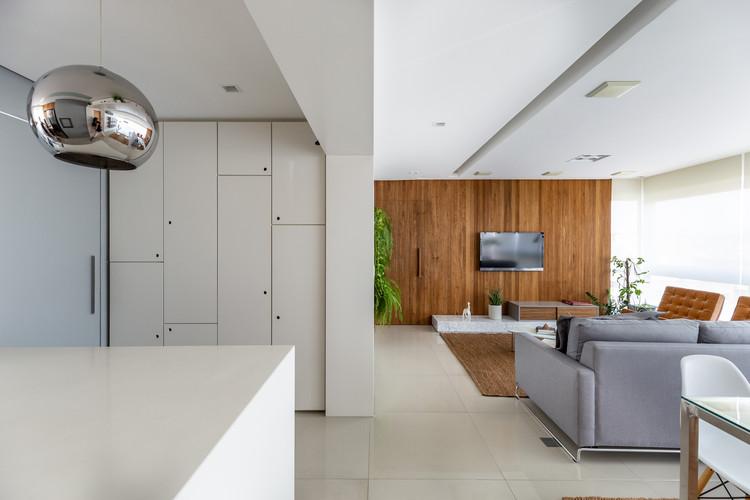 Apartamento Spader / Atelier Aberto Arquitetura + Sbardelotto Arquitetura, © Marcelo Donadussi