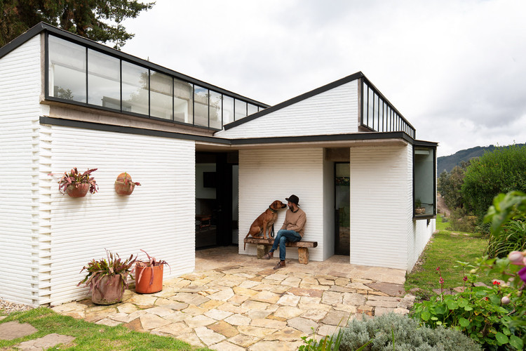 Casa del cuidandero / L.Oberlaender Arquitectos, © Simon Bosch
