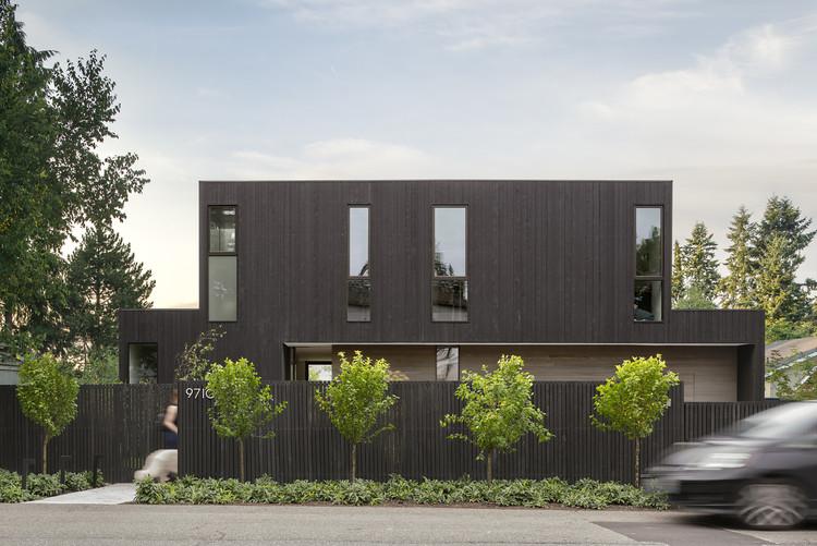 Yo-Ju Courtyard House / Wittman Estes, © Andrew Pogue