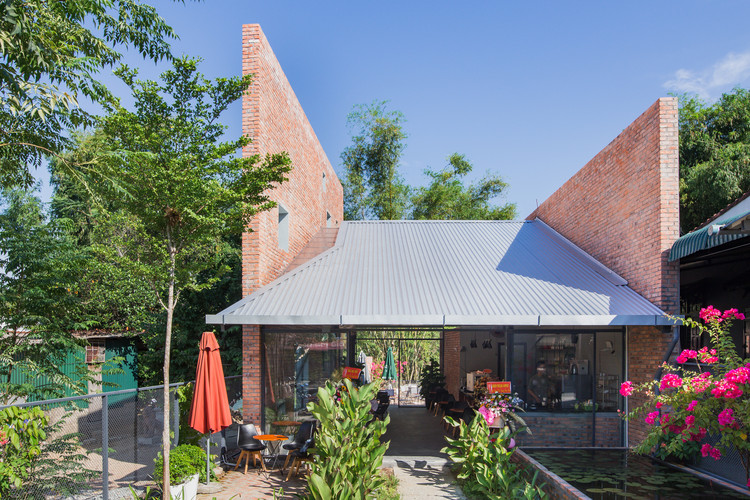 Cafeteria Kate's Kafe / TON Architects, © Nguyen Hoang Anh Tuan