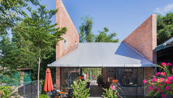 Kate's Kafe / TON Architects