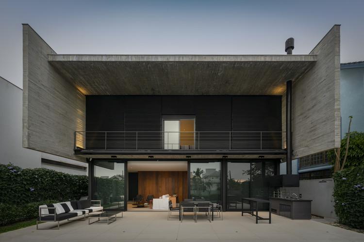 Casa Beton / Marchetti Bonetti+, © Ronaldo Azambuja