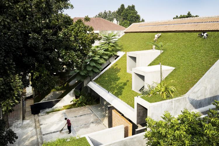 Micro Tropicalidade, Sede da RAD+ar / RAD+ar (Research Artistic Design + Architecture), © William Sutanto