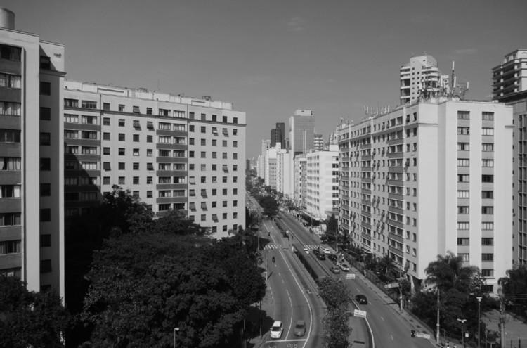 Verticalização e qualidade espacial em habitação coletiva: Conjunto Residencial 9 de Julho, Cortesia de PC3 - Pensamento Crítico e Cidade Contemporânea