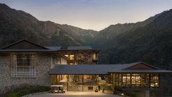 Complex Taj Rishikesh Resort & Spa / yh2 + Edifice Consultants Pvt. Ltd