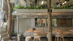 OM NOM NOM Vegan Cafe  / replus design bureau