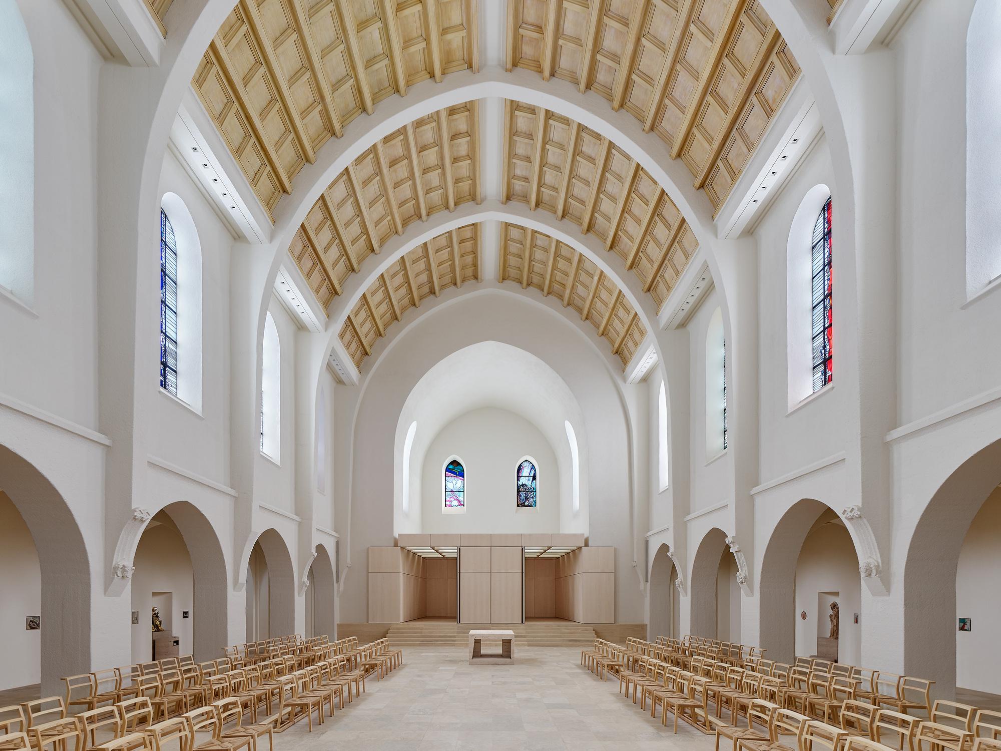 Church St. Fidelis in Stuttgart / Schleicher ragaller architekten