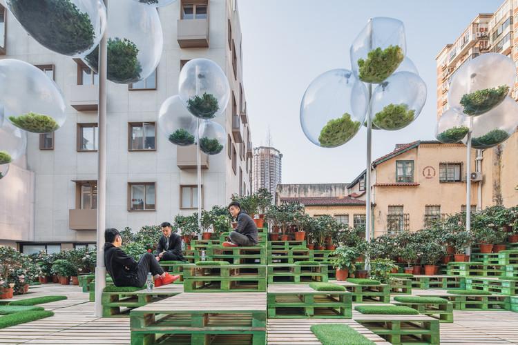 Acupuntura urbana: regeneración del espacio público mediante intervenciones hiperlocales, Urban Bloom by AIM Architecture + URBAN MATTERS. Image © URBAN MATTERS by MINI, CreatAR Images