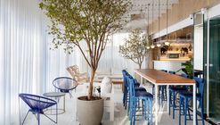 Restaurante La Belle / Studio Gabriel Bordin