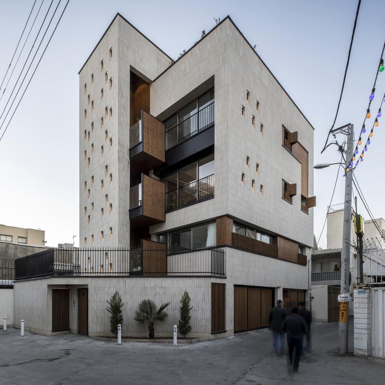 House No.3 / Roza Atarod + Hesam Andalib + Mohammad Kazerani, © Farshid Nasrabadi