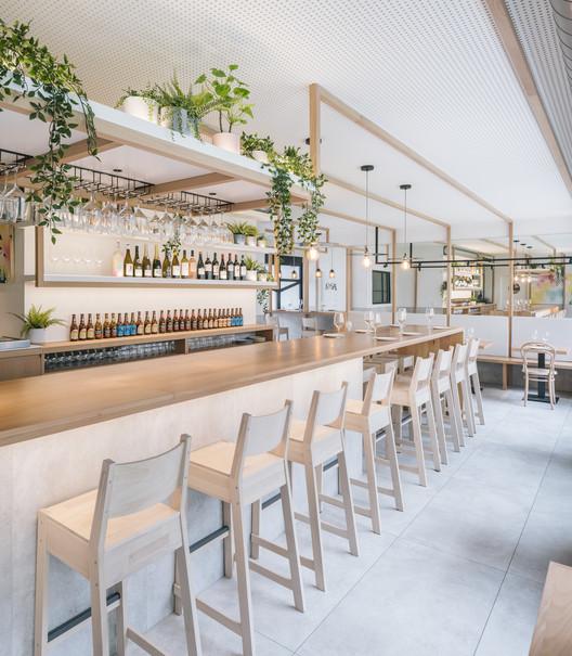 La Hermosa de Alba Restaurant / Zooco Estudio