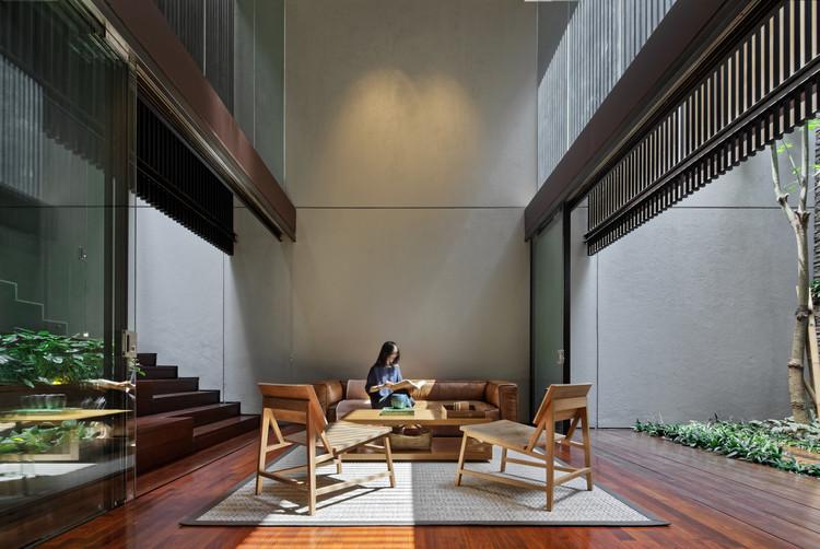 Casa DC 20 / Wahana Architects, © Fernando Gomulya