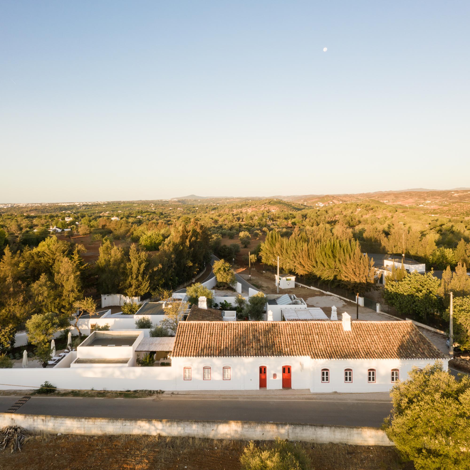 Rural Hostel / atelier Rua