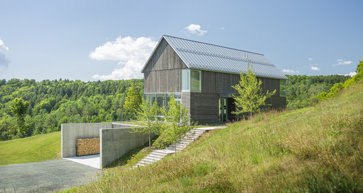 Bank Barn / Birdseye