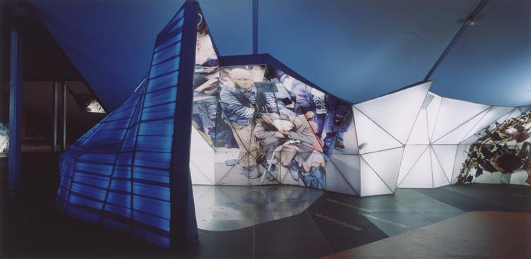 ¿Por qué aprender y estudiar sobre espacios efímeros?, Proyecto de Saeta Estudi. Instalaciones para el Fórum Universal de las Culturas en Barcelona. Image Cortesía de LABASAD