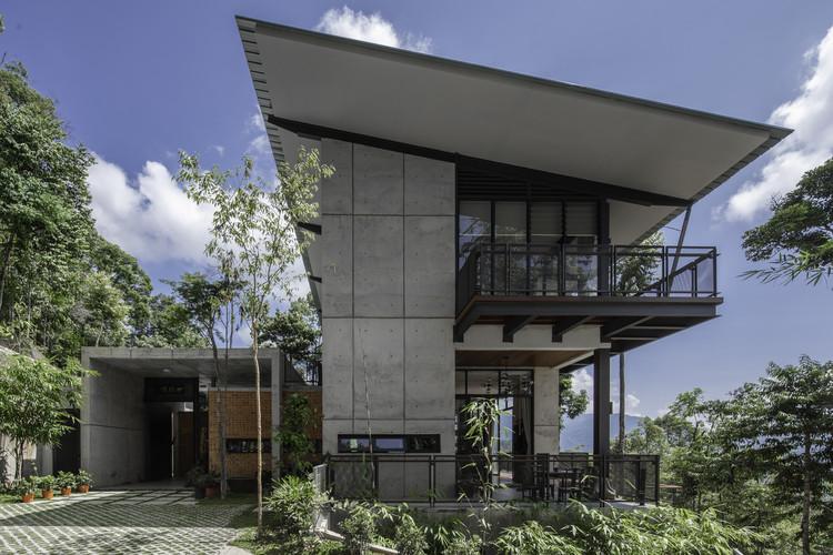 Canvas Hill Residence / Choo Gim Wah Architect, © Lawrence Choo