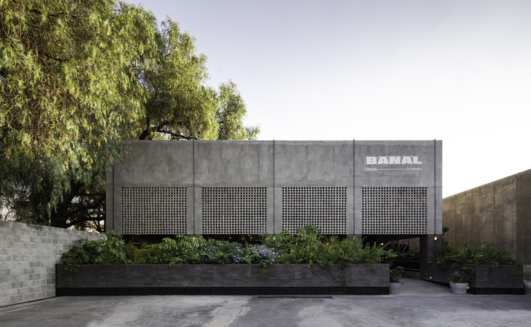 Banal Restaurant / Reims 502, © Ariadna Polo