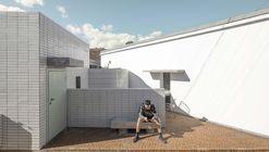 Home + Homestay / AML Design studio