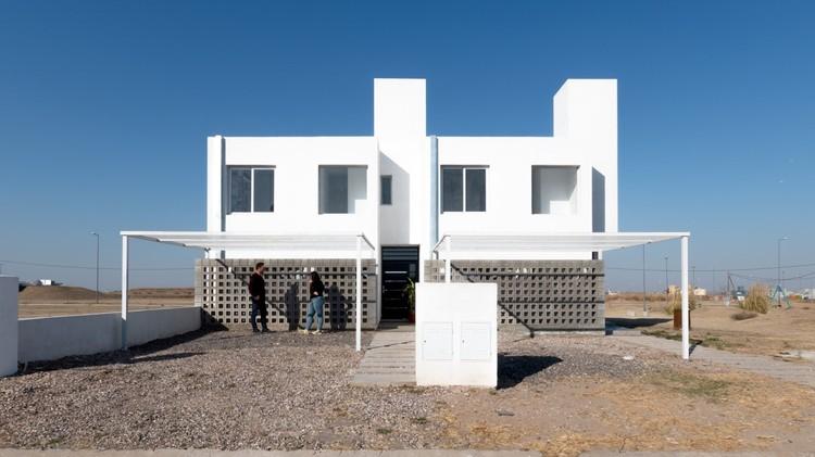 Viviendas mínimas / APS/ Pablo Senmartin arquitectos, © Gonzalo Viramonte