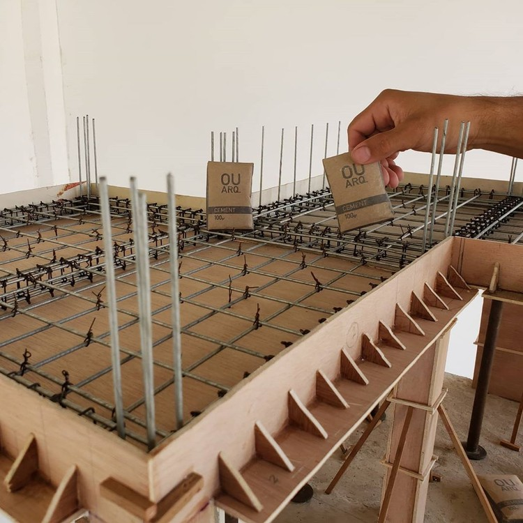 Miniature Construction: Modeling From Structure to Finish, Cortesia de OUROBOROS ARQ