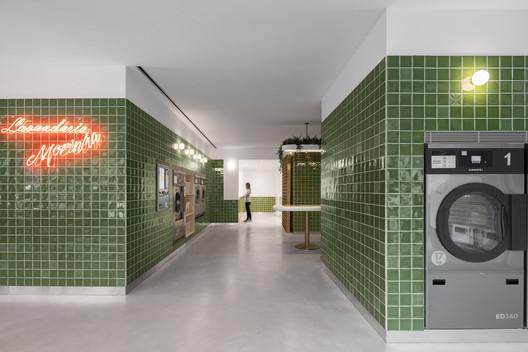 Lavandería de autoservicio Morinha / stu.dere + Civiurban