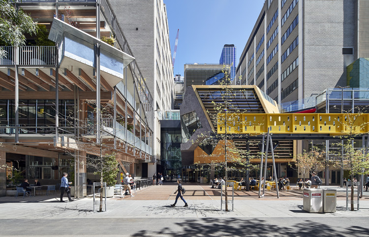 RMIT New Academic Street / Lyons, © Peter Bennetts