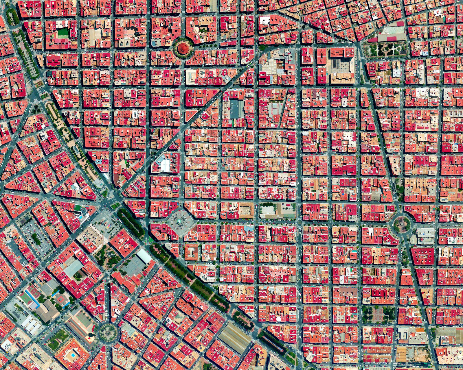 Orthogonal Grids and Their Variations in 17 Cities Viewed from Above