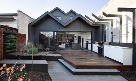 Elmhurst House / Rebecca Naughtin Architect