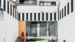 Uneven House / Fala