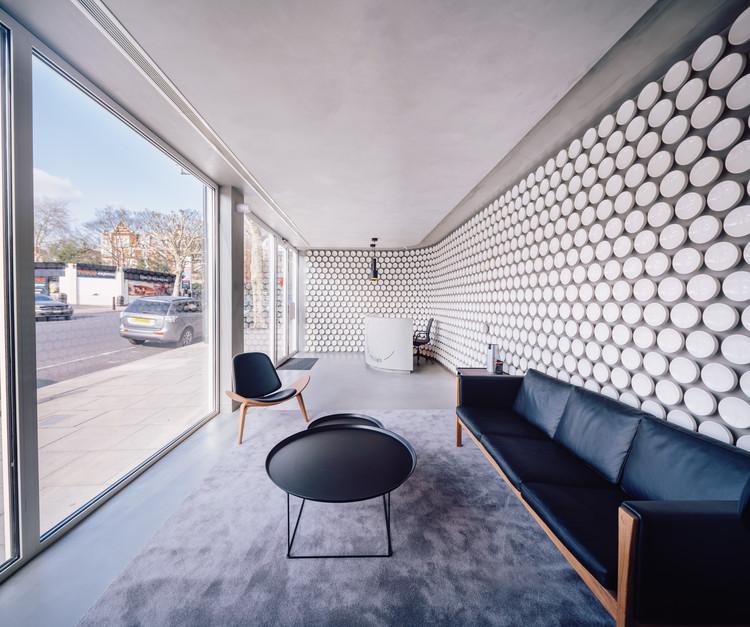 Maida Smiles Clinic / Pedra Silva Arquitectos, © Loop Audiovisual