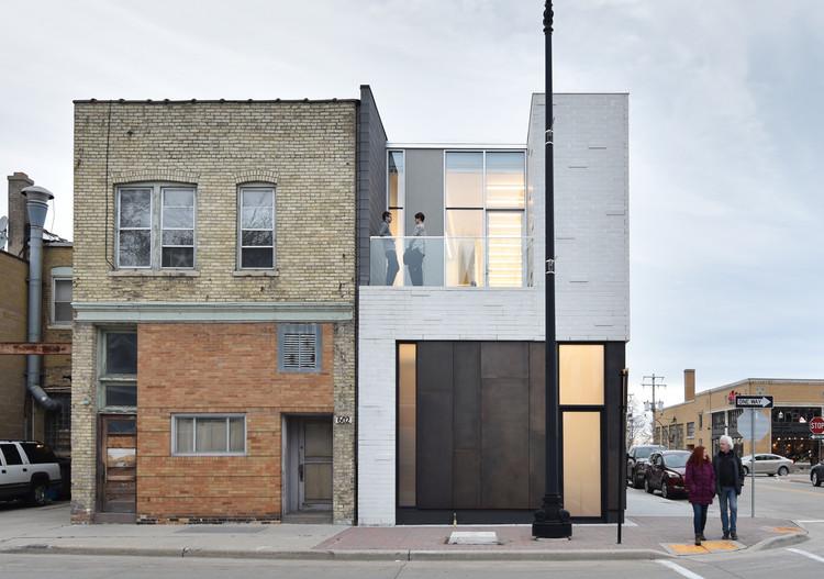 Gallery and Studio / Johnsen Schmaling Architects, © John J. Macaulay
