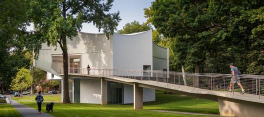 Winter Visual Arts Building / Steven Holl Architects