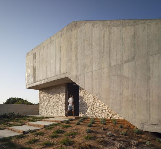 Golf House / eneseis Arquitectura