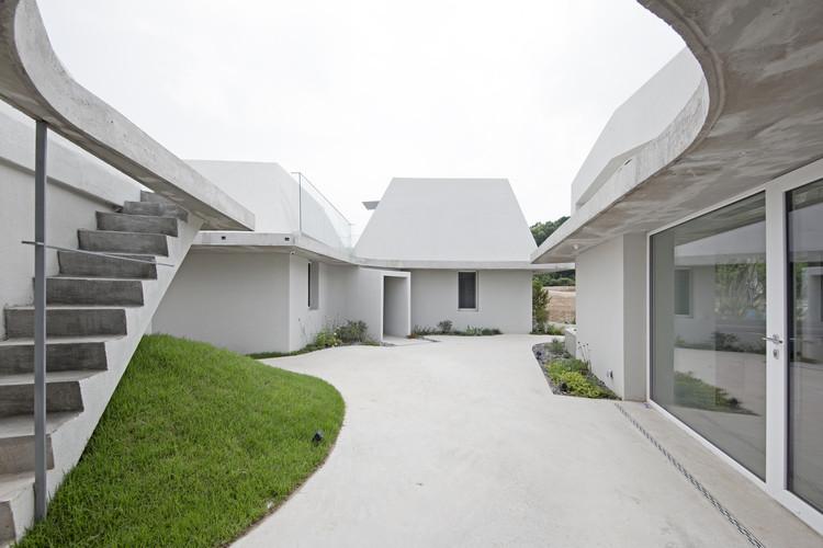 Shinhwa-Ri Housing / a round architects, © Jooyoung Kim