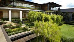 Casa Tembusu / Guz Architects