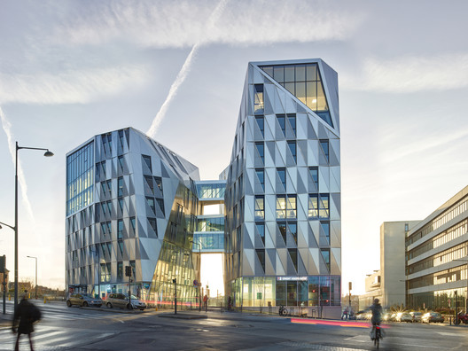 Urban Quartz Office Building / Hamonic + Masson & Associés + a/LTA