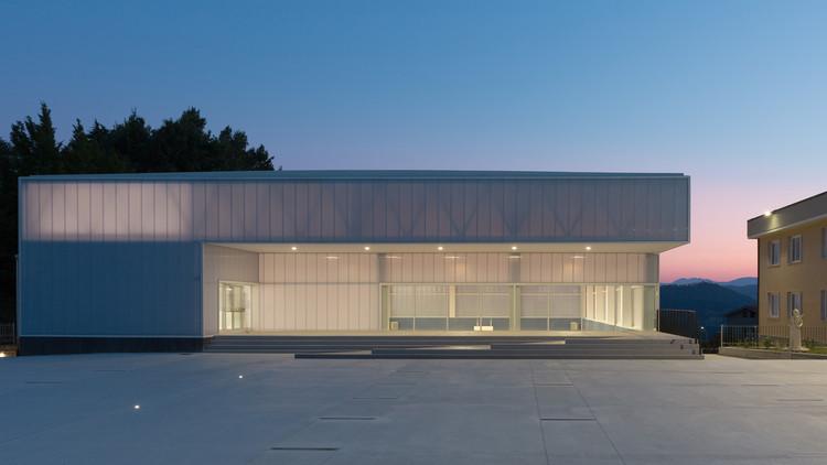 Sports Hall / Carlo Gaspari Architetti + Beatrice Comelli Architetto, © Iacopo Pasqui
