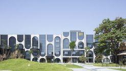 Beijing Fashion Factory B Courtyard / AntiStatics Architecture
