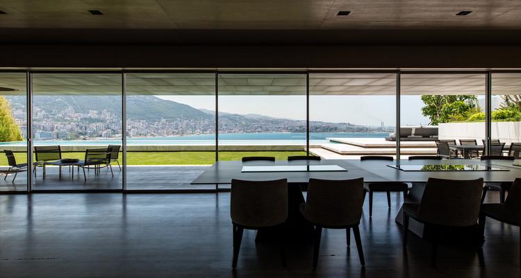 AZ House / nabil gholam architects. Image © Richard Saad