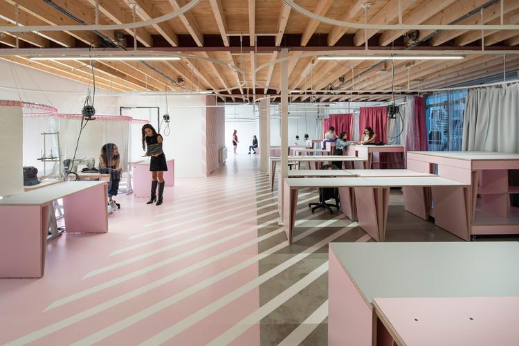 Oficina de Aprendizagem de Moda Zadkine / Krill-Office for Resilient Cities and Architecture, © Frank Hanswijk