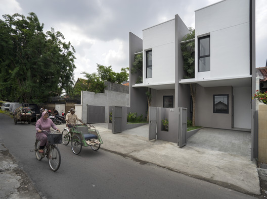R Micro Housing / Simple Projects Architecture