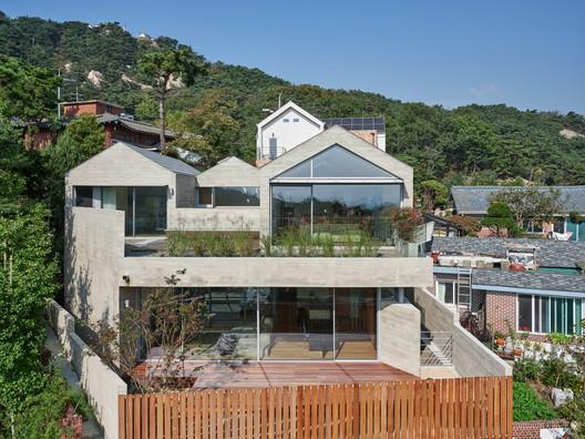 Doo Jip House / Archihood WxY