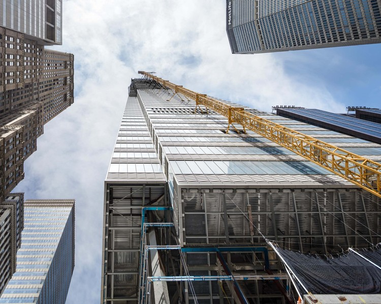 View up from the corner of 42nd St and Vanderbilt Ave, October 2018. Image © Raimund Koch