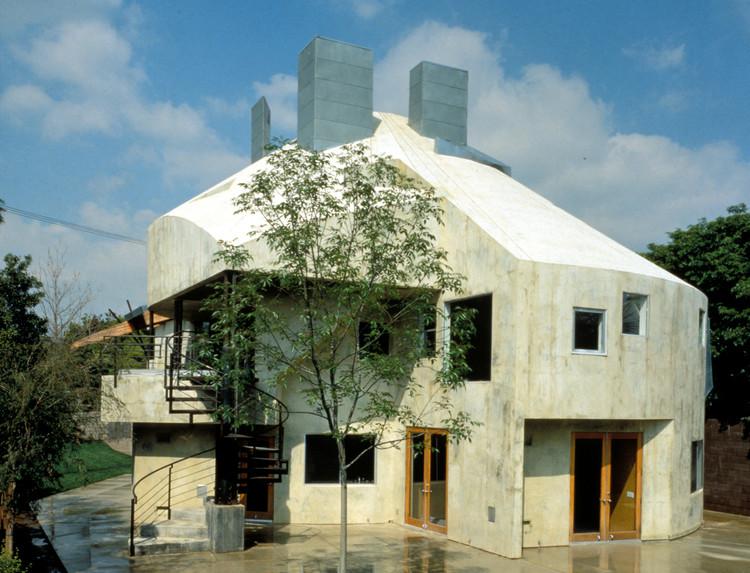 Lawson Westen House / Eric Owen Moss Architects. Image © Tom Bonner